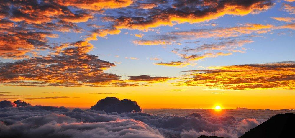 haleakala-sunrise-sunset-times_1600_750_85_s_c1_c_c_0_0.jpg.pagespeed.ce.B8sCfohChz.jpg